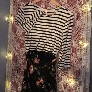 Floral+Striped Maxi Dress w/ POCKETS!